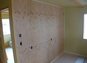 内部合板壁塗装